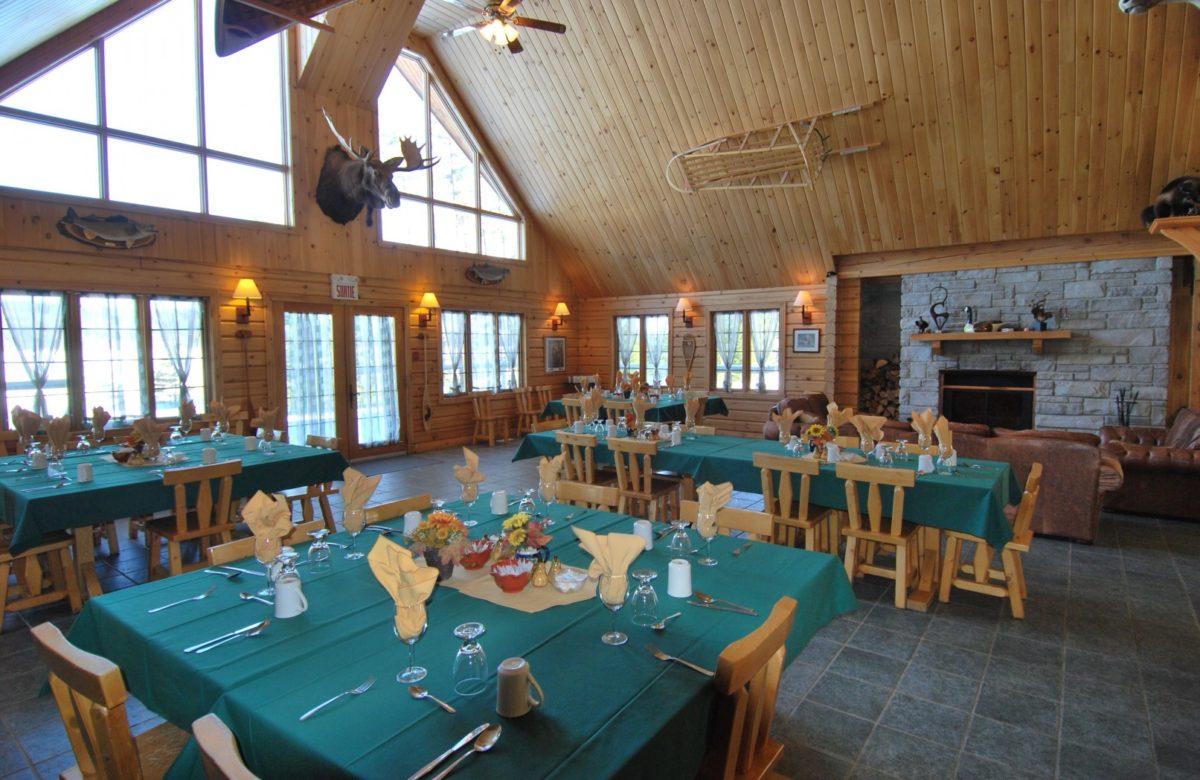 camp base salle manger